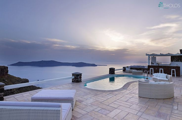 Welcome to Tholos Resort, on the cliff of the Caldera, Santorini! tholosresort.gr/