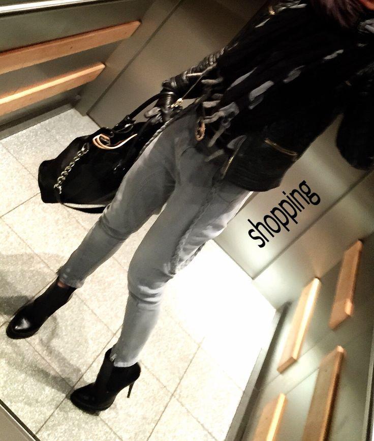 Street Style - Boyfriend Jeans - Black Lether