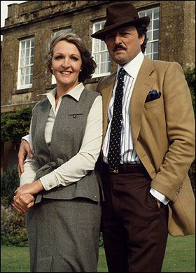 To The Manor Born, (1979-1981) Penelope Keith & Peter Bowles. Penelope plays Audrey Forbes-Hamilton, an upper-class woman who, upon the death of her husband, has to move out of her beloved manor house. The manor is then bought by Richard DeVere (played by Peter Bowles), a nouveau riche millionaire supermarket owner originally from Czechoslovakia.