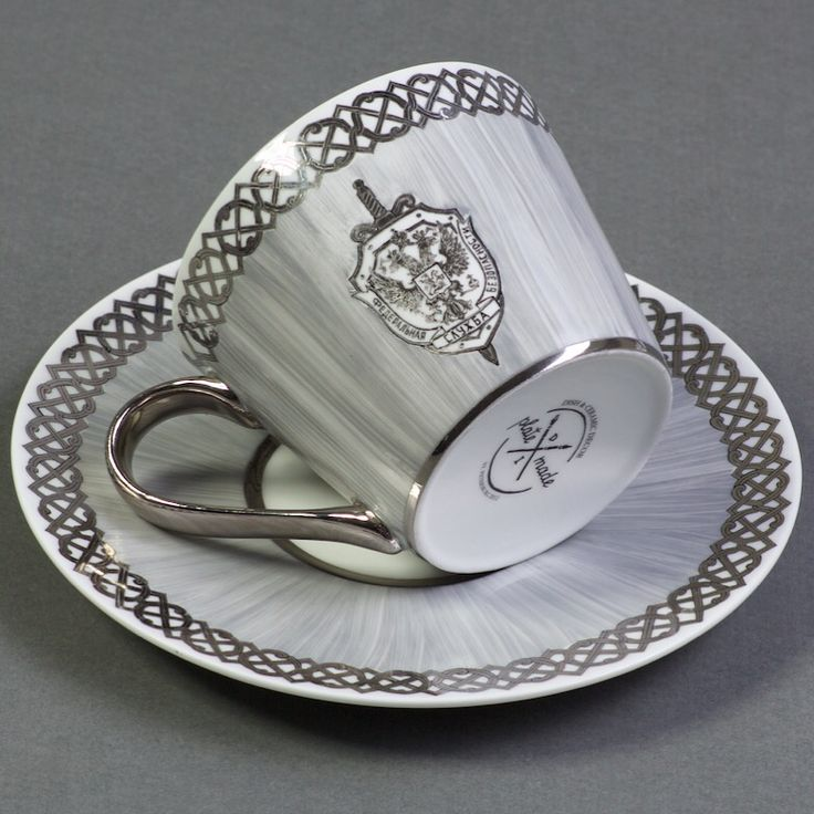 Немного фарфора, герб ФСБ, платина  #platemade #фсб #фарфор #платина