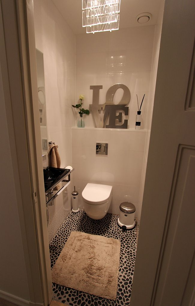 1000 images about au petit coin on pinterest coins toilets and yellow mirrors for Wc deco modern