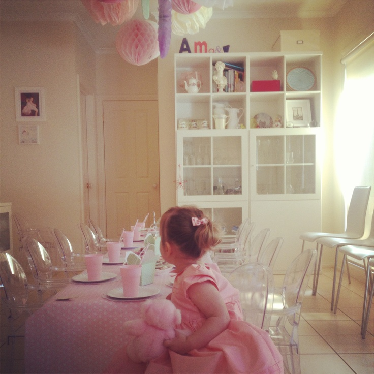 2nd birthday party using miniature louis ghost chairs