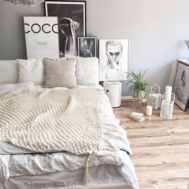 LINEN 💕...after cleaning the floors , it was necessary to show you my new handmade linen pillows @lundkvistliving 😍 hope you like it too☺️ . Nachdem Hausputz mussten die neuen handgemachten Leinen Kissenhüllen @lundkvistliving gezeigt werden🙈😍 ich hoffe, sie gefallen euch genauso gut wie mir😘 . #bedroom#styling #decoration #lundkvist#ad#inspo  via ✨ @padgram ✨(http://dl.padgram.com)