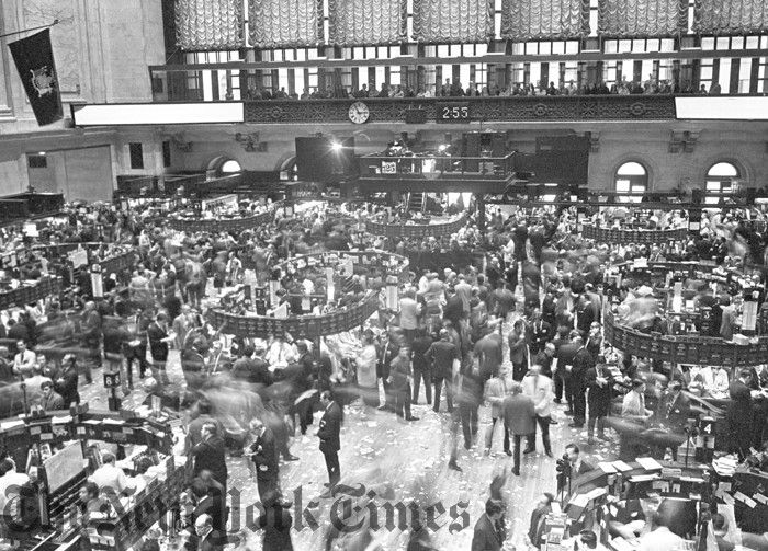 Trading Floor At Stock Exchange 1970 20th Century New