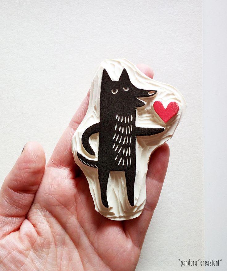 timbro cane con cuore // timbro in gomma di pandoracreazioni su Etsy