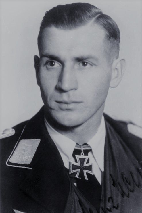 Hauptmann d.R. Heinz Meyer (1916-1987), Chef 8./Fallschirmjäger Regiment 4, Ritterkreuz 08.04.1944, Eichenlaub (654) 18.11.1944