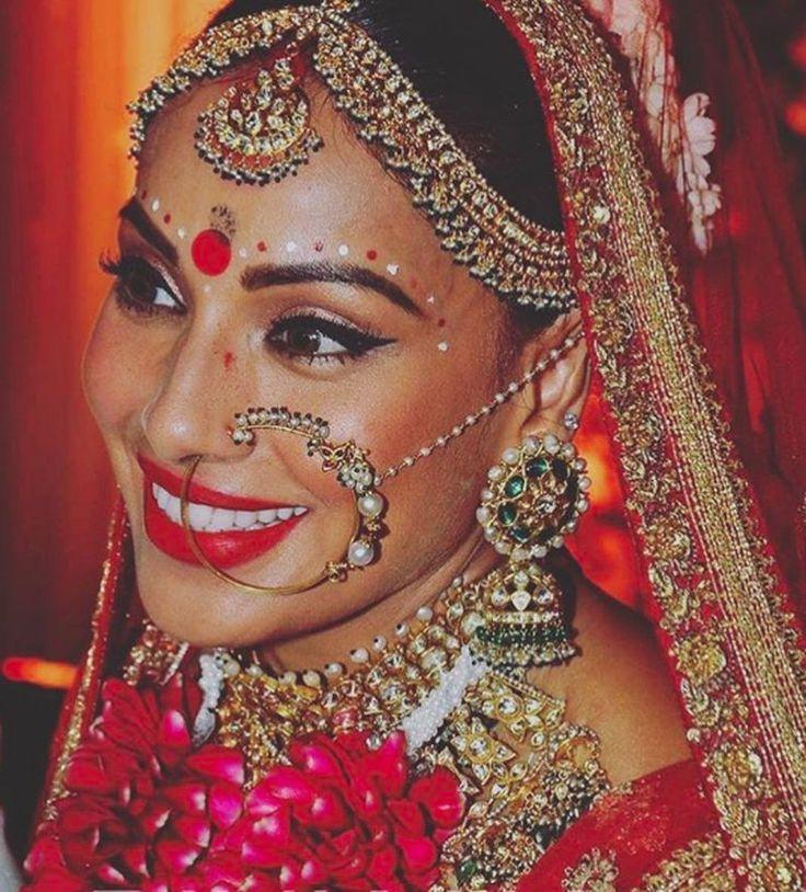 Glamorous Bengali Celebrity Wedding In Mumbai In 2019 Bollywood Wedding Wedding Rituals