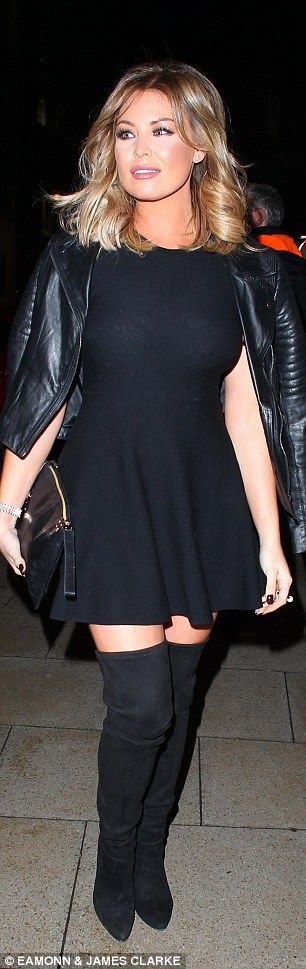 Jess Wright shows off her sassy new blonde hair on night out