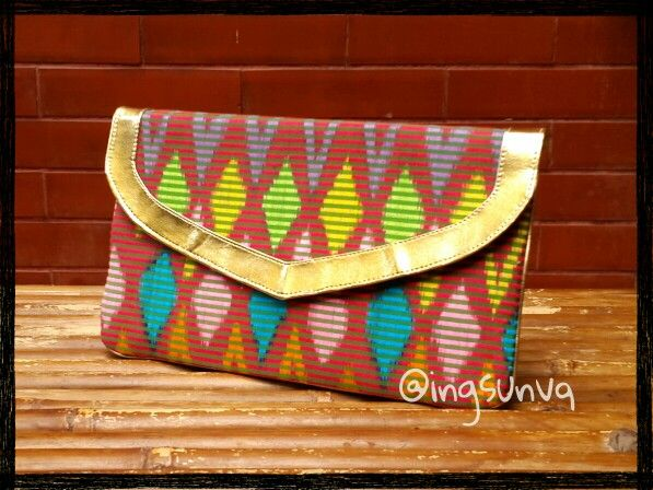 Rangrang clutch bag