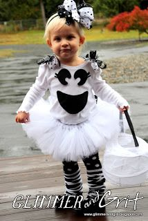 Cute little boo costume (Glimmer And Grit: DIY No-Sew Girly Ghost Costume Tutorial)