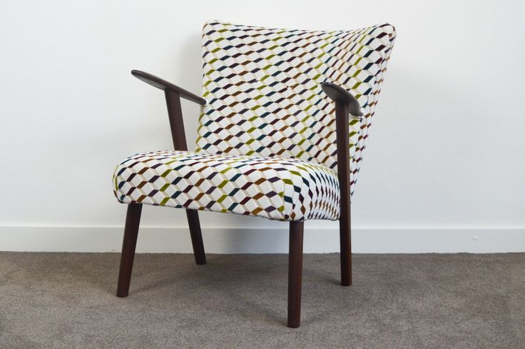 VINTAGE RE-UPHOLSTERED CLUB CHAIR // DENMARK // 1960s - Wall - Greedfineart.com