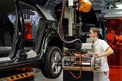 ВТО назвала незаконными российские пошлины на автомобили из Евросоюза       Арбитражная панель ВТО признала незаконными введенные Россией антидемпинговые пошлины на легкие коммерческие автомобили из Евросоюза. Об этом говорится в сообщении Еврокомиссии. В организации ожидают, что ограничительные меры, введенные на территории всего Евразийского экономического союза, будут отменены.