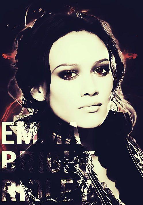 Emma Ridley (Hilary Duff) - HAUNTED SIDE
