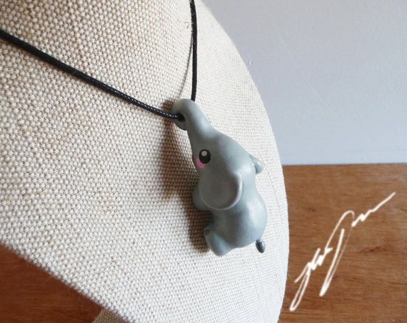 RESERVIERTE Elefant Halskette Anhänger, süße, geformte Fimo.
