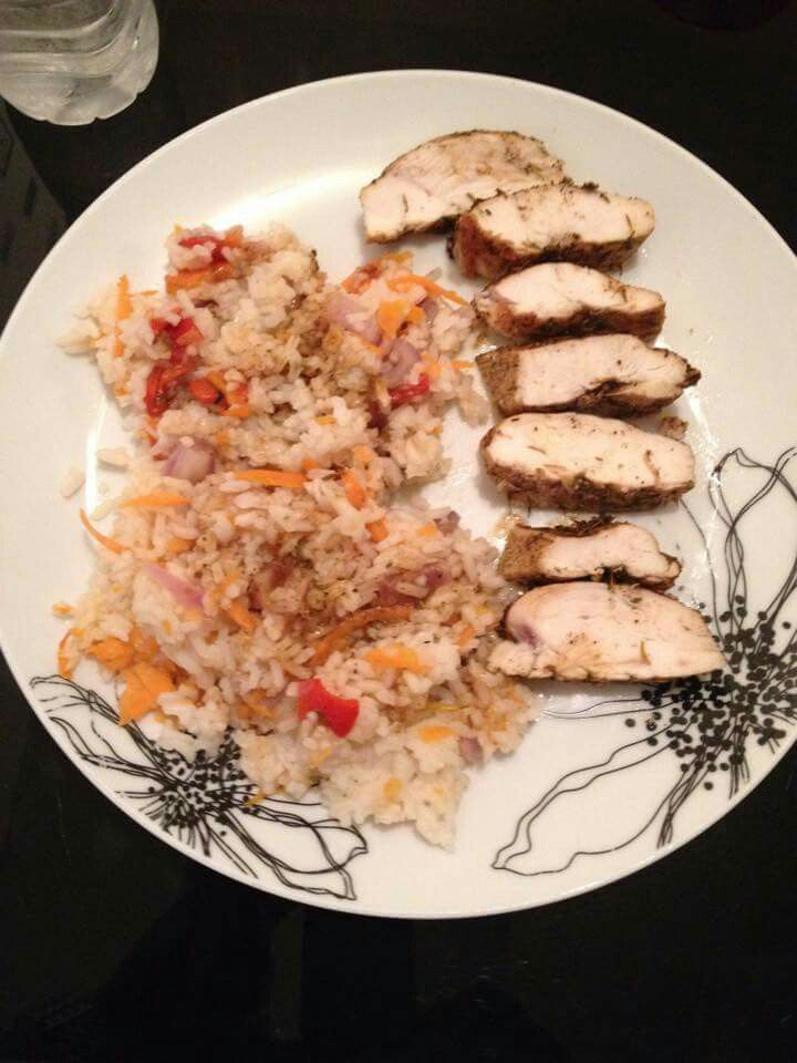 Jerk chicken and carribean rice from Maria: Long grain rice, chicken, 1tsp thyme and ground ginger, 1tbsp cider vinegar, and soy, 1 garlic clove, 2tsp jerk seasoning, 2bottled roasted red peppers, grated carrot, chopped red onion, 200g mango, 200g pineapple, lime zest and juice. Cook rice to instructions.  Make 4 slashes in each chicken breast. Put in bowl with thyme, ginger, vinegar,  garlic, soy, 1tsp jerk. Grill 6mins each side. Meanwhile put red peppers, carrot,  onion, mango and…