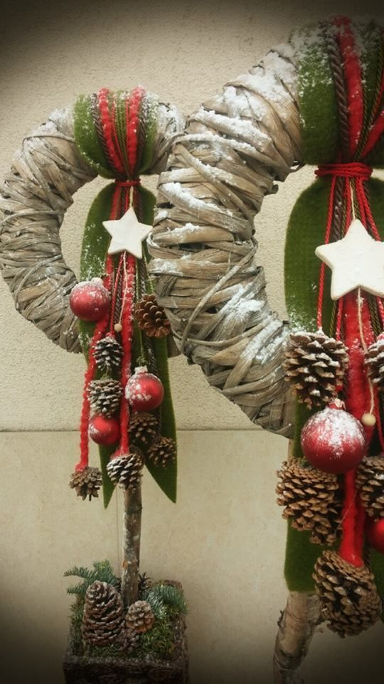 Christmas wreath ideas #christmas #ideas #wreath #rustikaleweihnachten Christmas…