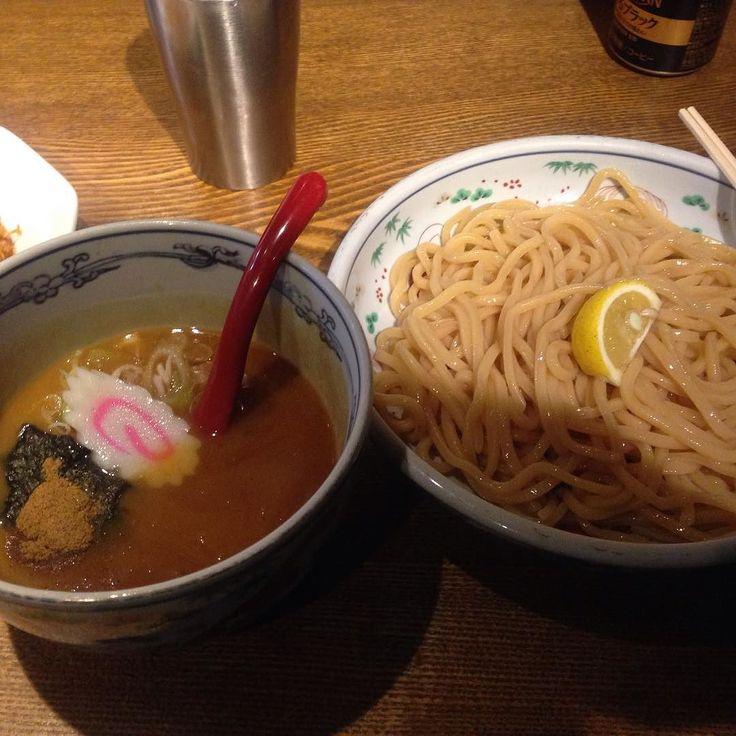 梅田の六三六(o) 極太麺と野菜ベースのつけ麺 やっぱうまいな スープ割は野菜スープみたい  #らーめん #つけ麺 #六三六  #魚介系 by makotoyy
