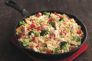 An easy, cheesy chicken and veggie skillet bursting with great cheddar flavour!