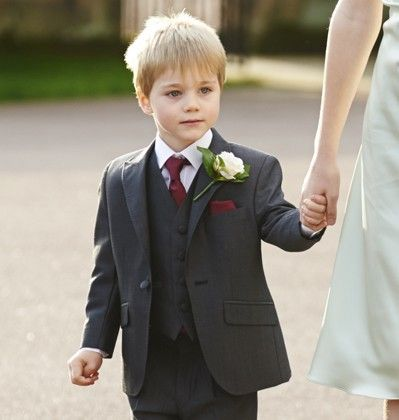 Our boys charcoal mohair lounge suit, Stretton. #peterposh #wedding #groom #weddingsuits #greysuit #groomsmen