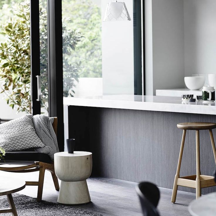 Bayside Beauty | Black + White + Natural | Modern Home Interiors | Contemporary Decor Design #inspiration #nakedstyle
