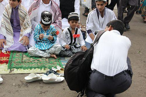 Photographers Prefer Shooting Eid Namaz At Bandra A Much Safer Place Than Azad Maidan