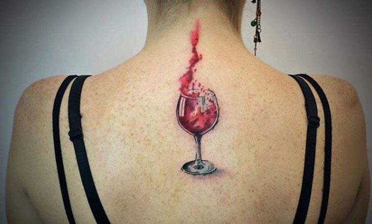 Tatuajes de copas de vino: para los amantes de esta histórica bebida - https://www.tatuantes.com/tatuajes-de-copas-vino/ #tattoo