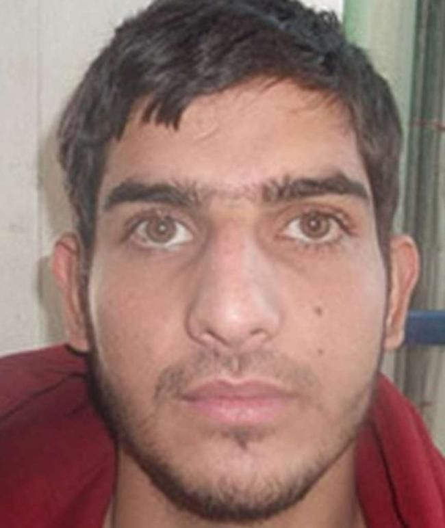 """Terror-Anschlag in Paris im Live-Ticker: SEIN Pass lag neben einem toten Terroristen - Sarkozy: Gefährder sollen """"in ein überwachtes Heim"""" http://www.bild.de/news/ausland/terror-paris/paris-terror-live-update-ticker-43407752.bild.html"""