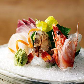 【お得なディナー】最大15005円→9900円!なだ万伝統の懐石料理を食前・食中2種のお飲み物と共に