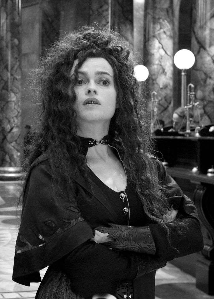 Bellatrix Lestrange [Helena Bonham Carter] - Harry Potter Saga. #helenabonhamcarter #photo
