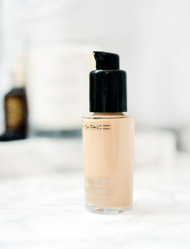 The #MACCosmetics Studio Fix Fluid foundation gets a lot of flak for being super high maintenance. But its reputation shouldn't be a deal breaker - this is one of my favourite and go-to products!!