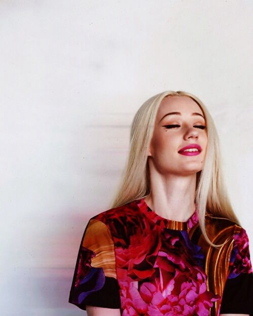 Mimic the Muse: Iggy Azalea http://thedailymark.com.au/beauty/mimic-muse-iggy-azalea