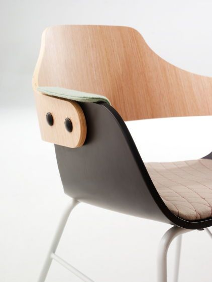 For the first time, Mobili Möbel is proud to bring BD Barcelona Design to Chicago!  Its catalogue has products designed by contemporary designers such as Alfredo Haberli, Jaime Hayon, Konstantin Grcic and Ross Lovegrove, as well as historical figures like Antoni Gaudi and Salvador Dali.