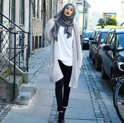 Immagine tramite We Heart It #hijab #hijabfashion #hijabstyle #hijabigirls #modesthijabi #hijaboutfits