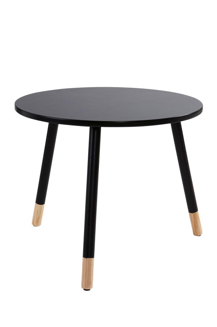 Soffbord med skandinaviska influenser och fina kontraster i form av synligt ljust trä längst ner på benen. Material: Trä och mdf. Storlek: Höjd 50 cm, ø 60 cm. Beskrivning: Soffbord med skiva i lackad mdf och ben i massivt trä. Bordet kräver viss montering. Monteringsanvisning medföljer. Tips/råd: Matcha med fler bord ur samma serie. Blanda storlekar och möblera med flera bord tillsammans.