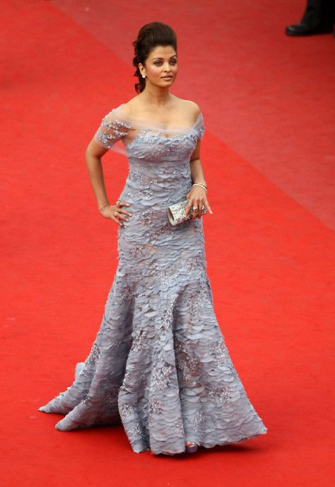 Aishwarya Rai at Cannes 2010. Read more http://fashionpro.me/bollywood-cant-get-hands-off-elie-saab
