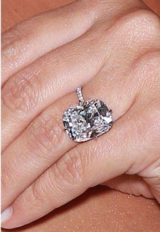 Kim Kardashian's engagement ring from Kanye West ~ gorge!