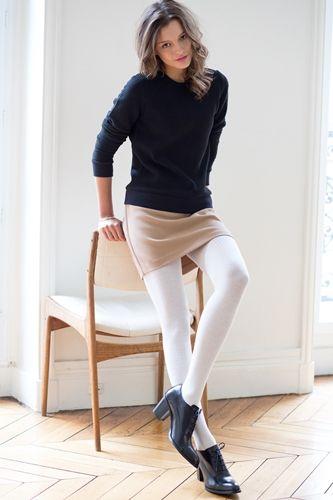 Strømpebukse i flotte farger. Laget av varm og isolerende marino ull. Føles og se bra ut. Rød, hvit og sort. S - XL.