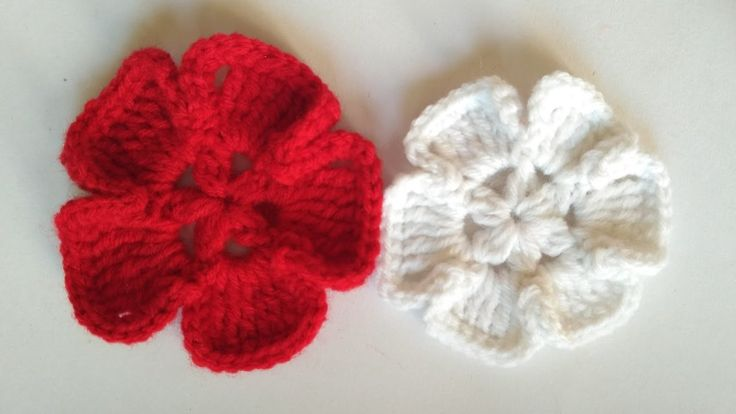 How to crochet a woolen flower.