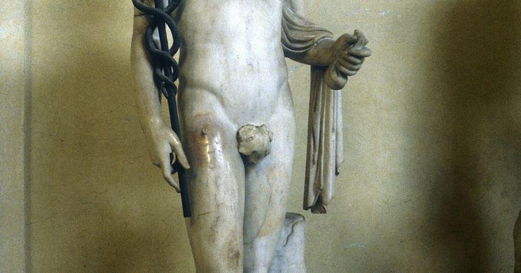 """Mitos sobre el dios romano Mercurio. La frase """"la velocidad del mercurio"""" se refiere al dios romano Mercurio, quien es conocido como el amo de la velocidad, el intelecto, el engaño, el viaje y la comunicación. Mercurio fue adaptado de la mitología griega por los romanos y es el equivalente al dios griego Hermes. El planeta Mercurio comparte cualidades en la astrología con el dios ..."""
