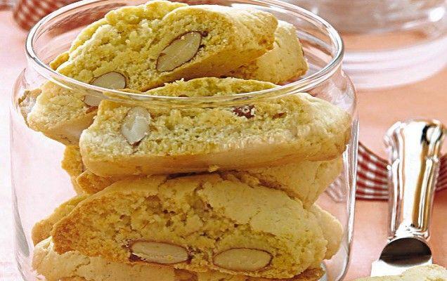 Γλυκά παξιμαδάκια αμυγδάλου διπλοφουρνιστά - iCookGreek