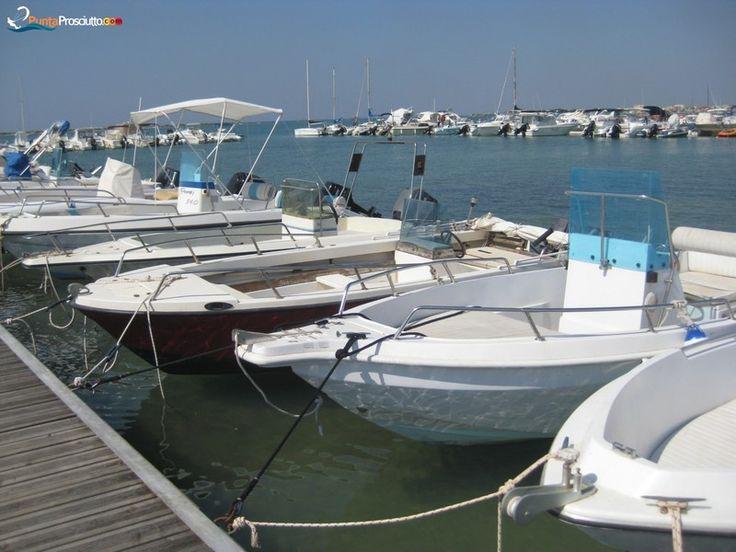 Darsena La Strea - Boat mooring in Porto Cesareo http://puntaprosciutto.com/attivita/porto-turistico/darsena-la-strea-ormeggio-barche-a-porto-cesareo