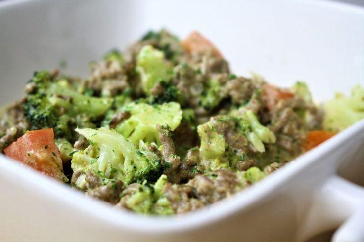 Broccoli en kaas is een geweldige combinatie en daar heeft Maggi slim op ingespeeld met een mix voor een dagschotel met broccoli en kaas, gecombineerd met gehakt. Maar wanneer je naar de lijst met ingrediënten kijkt koop je voornamelijk aardappelzetmeel, bloem en zout. En een paar kunstmatige...