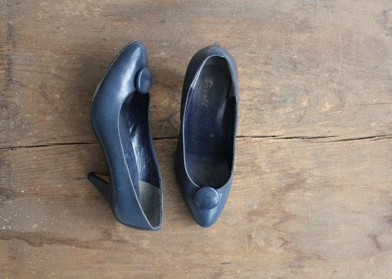 SALE / navy blue heels / vintage high heels / blue by allencompany, $15.00