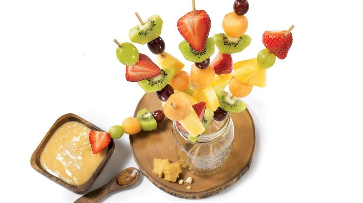 Brochettes de fruits, sauce à l'érable