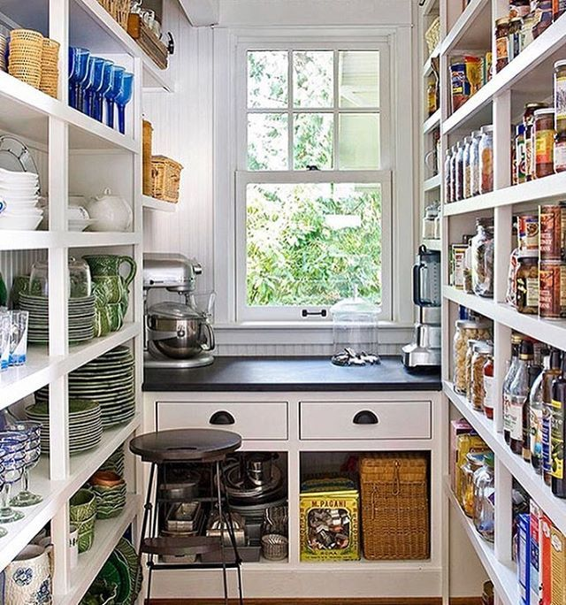 Cottage Walk In Pantry