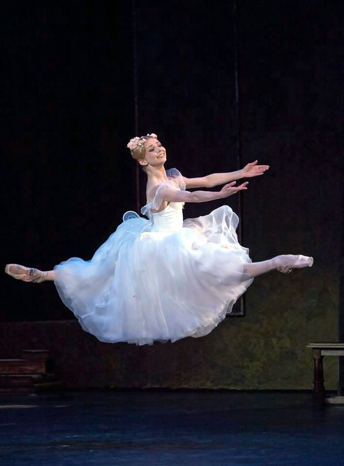 Evgenia Obraztsova in La Sylphide