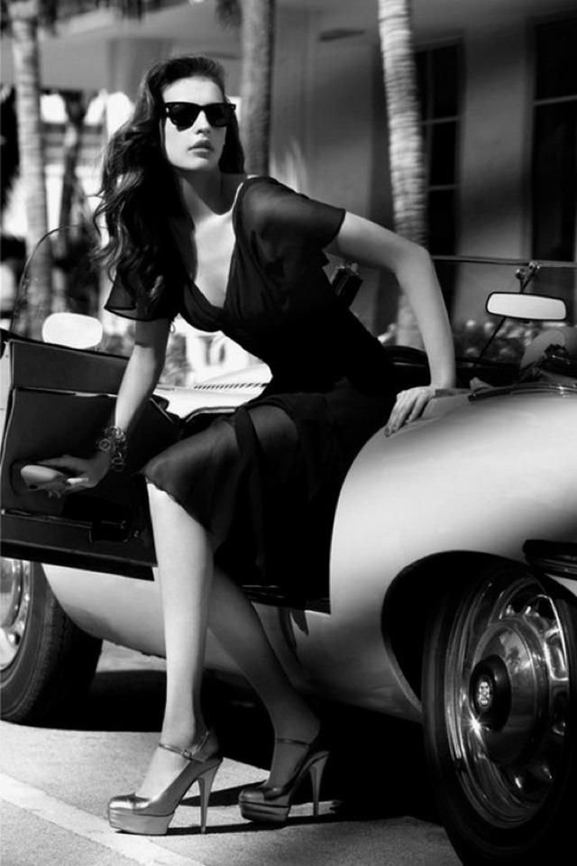 Liv Tyler- no bow tie, but gorgeous car, dress, shoes and style