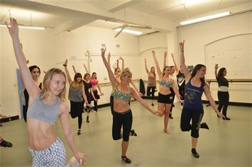 Brazilian Samba with Monika Molnar at Pineapple dance studios