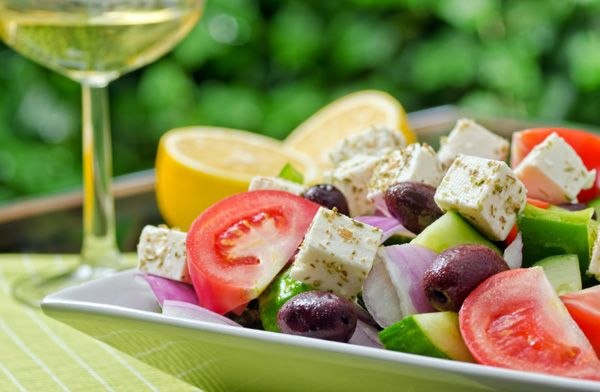 what you actually get to eat on the Mediterranean diet (recipes included)