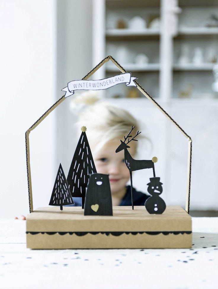 DIY kerst kijkdoosje met printable | DIY christmas house with printable | Bron beeld: vtwonen december 2014 | Fotografie Sjoerd Eickman | Styling Kim van Rossenberg